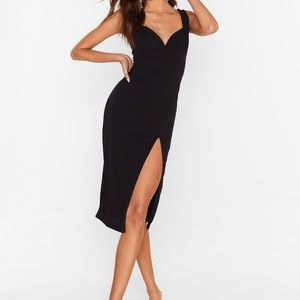 Black Fitted Midi Dress with Sweetheart Neckline